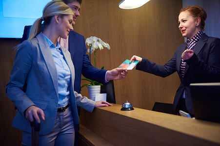 ホテル,フロント,宿泊,運営自動化